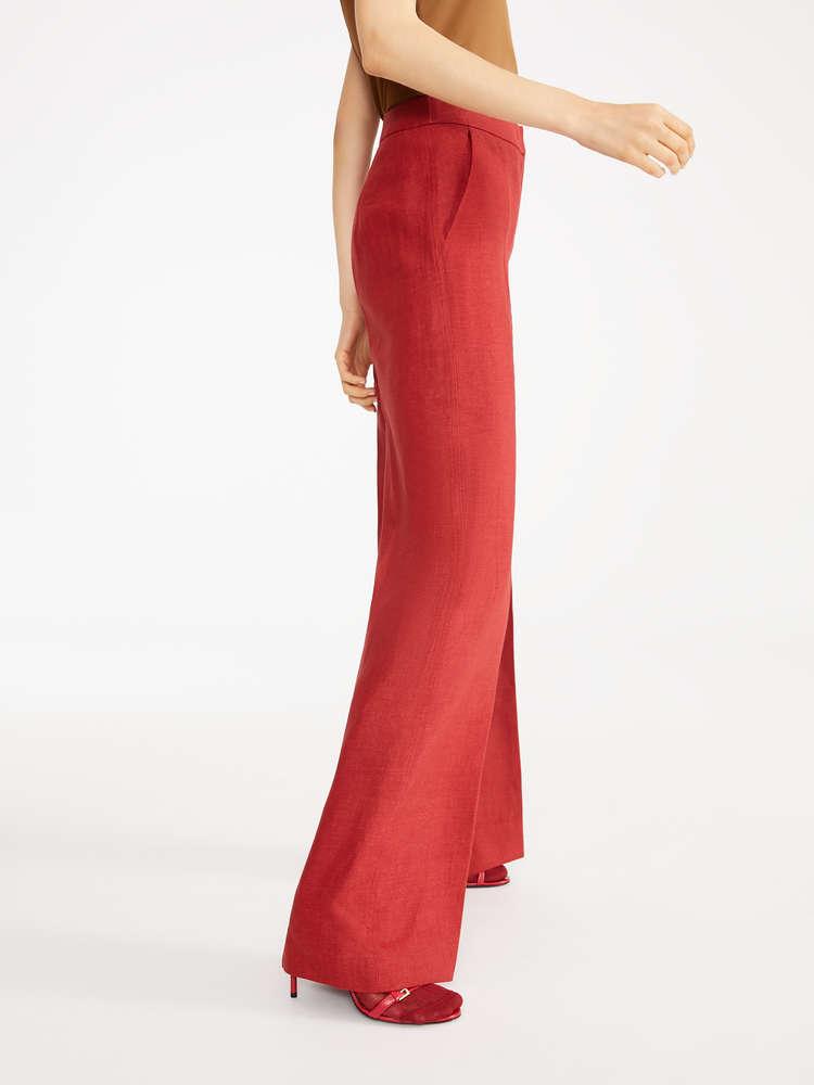 Quần dài nữ may bằng vải gì cho đẹp?